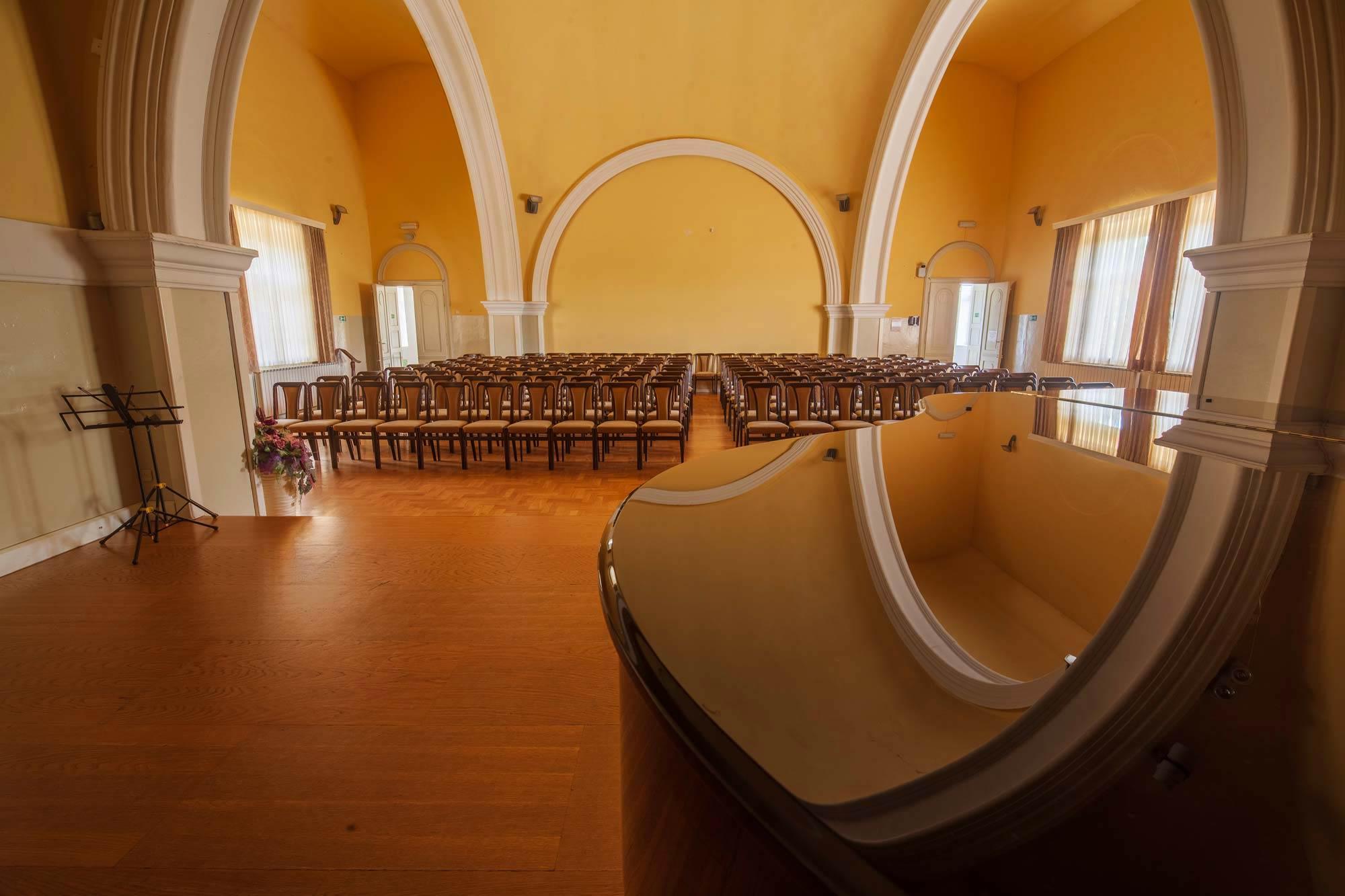 Glazbena škola Frana Lhotke Koncertna dvorana bina