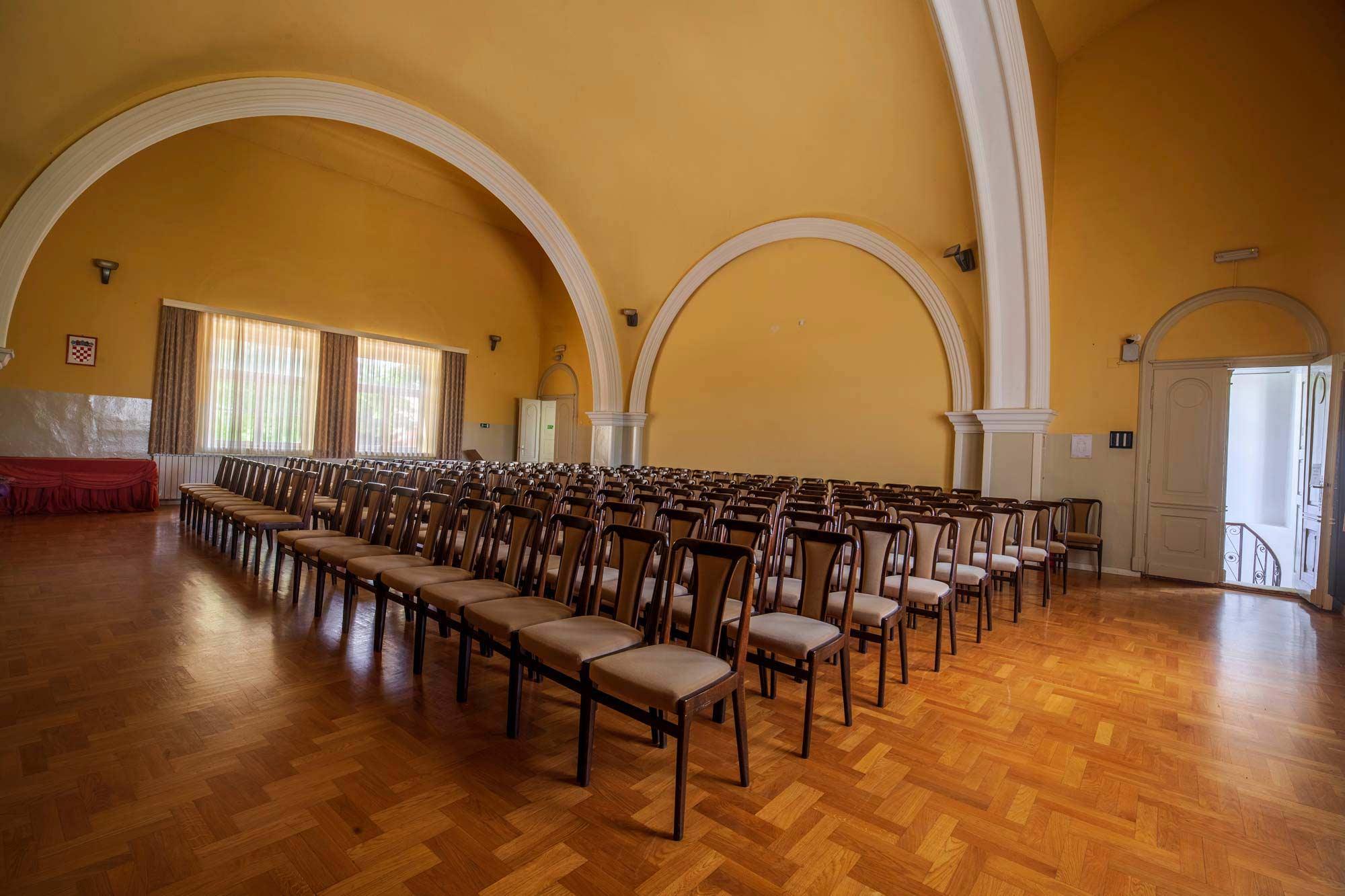 Glazbena škola Frana Lhotke Koncertna dvorana gledalište